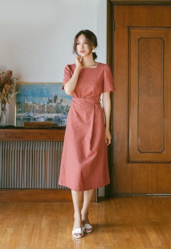 Phong cách 19: Trang phục công sở là đầm đơn sắc