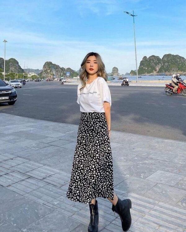 Áo thun và chân váy dài